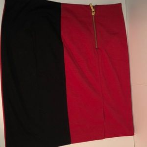 Michael Kors Size 10 Black & Red Skirt